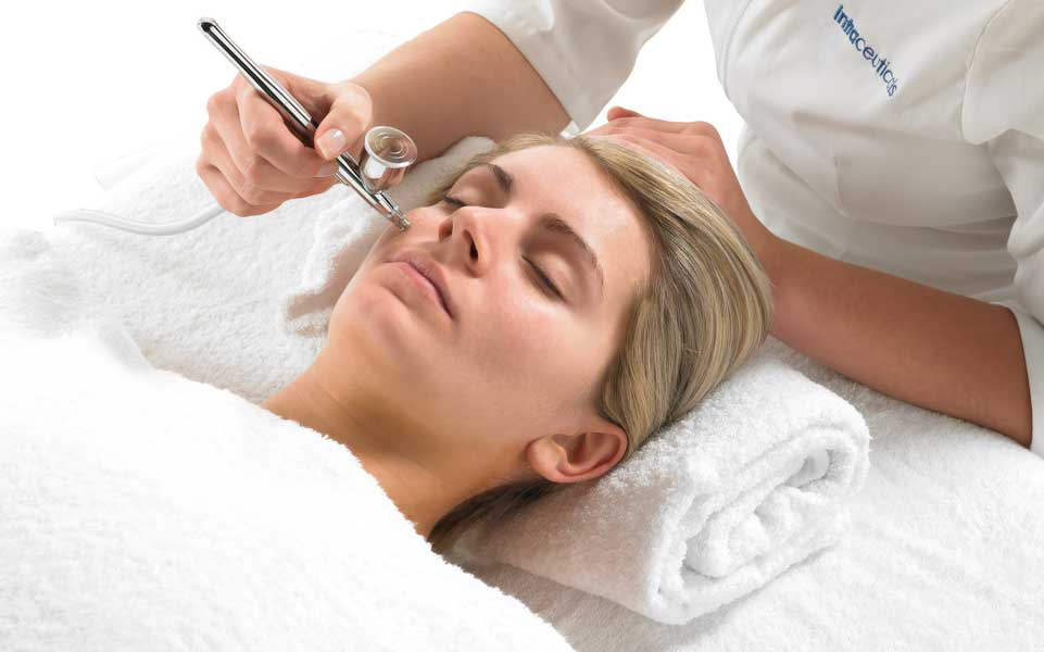 Oxygen Therapy Facial